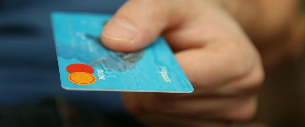 Solicita una tarjeta de crédito sin cambiar de banco