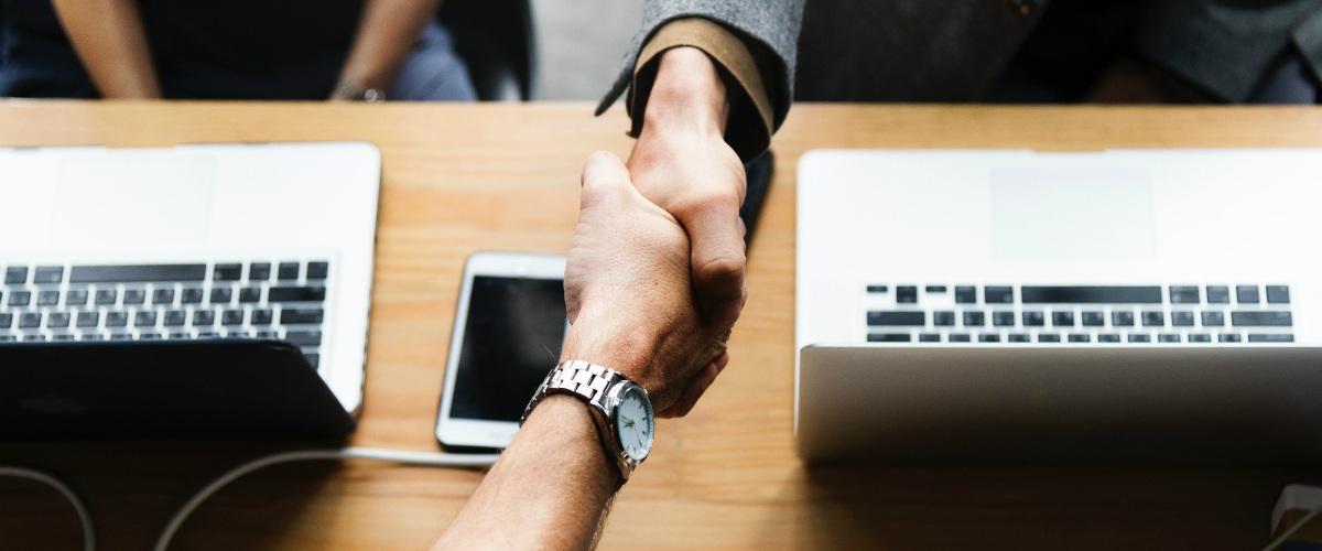¿Cómo funcionan los préstamos entre personas?