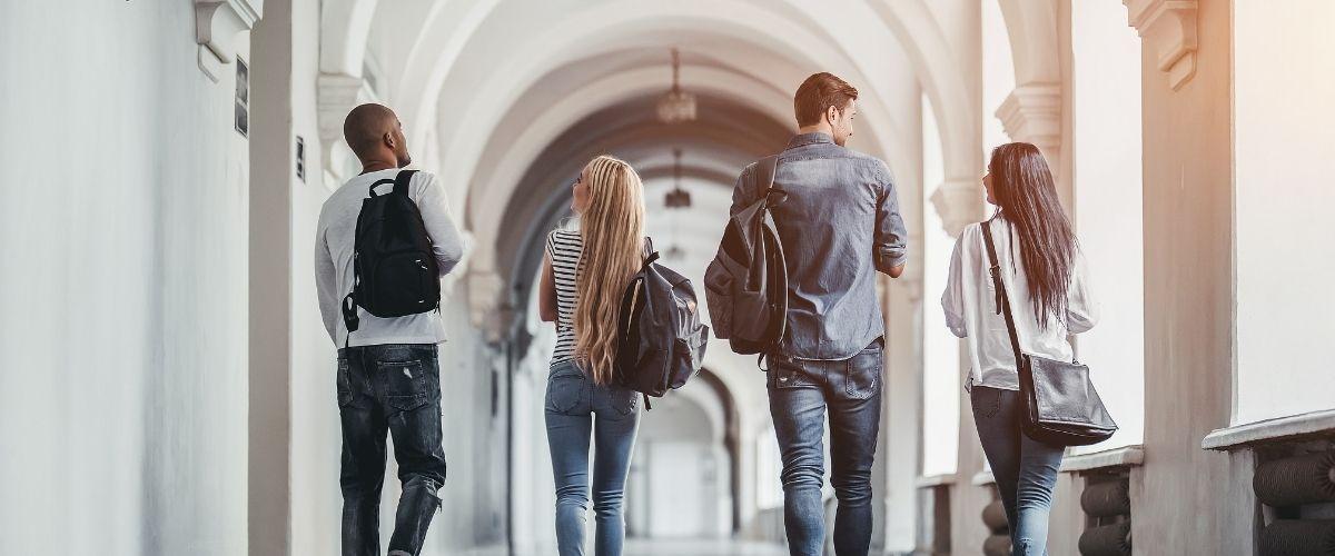 ABANCA te ayuda a comenzar la carrera de tus sueños con los préstamos para estudiantes.